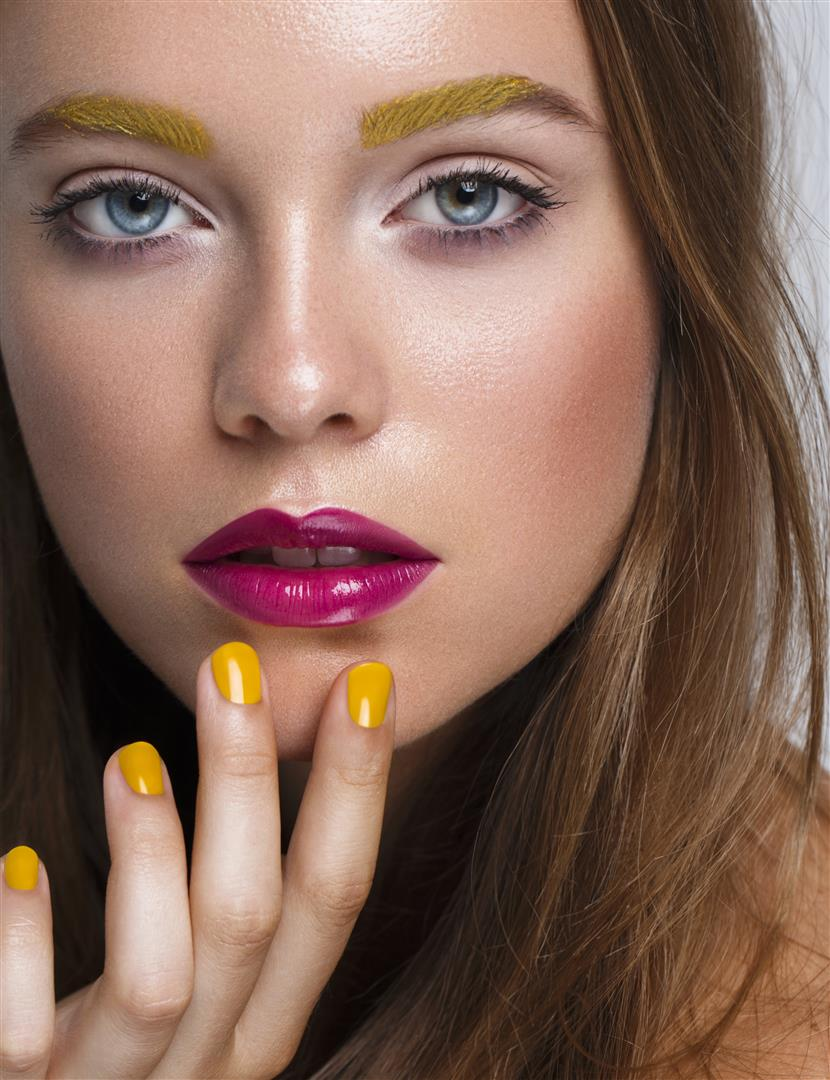 Foto: Petra Sartoris, Modelka: Viera B. / EXIT Model Management pre Zahrat Al Khaleej magazine